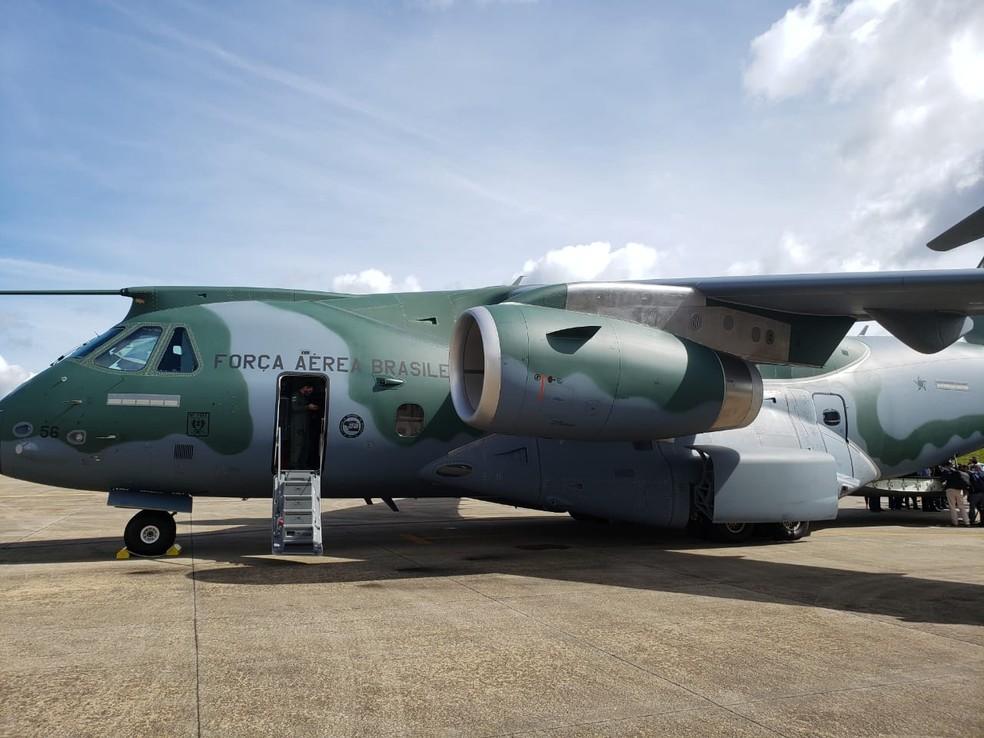 Avião da FAB que irá levar as doses da vacina aos estados brasilerios