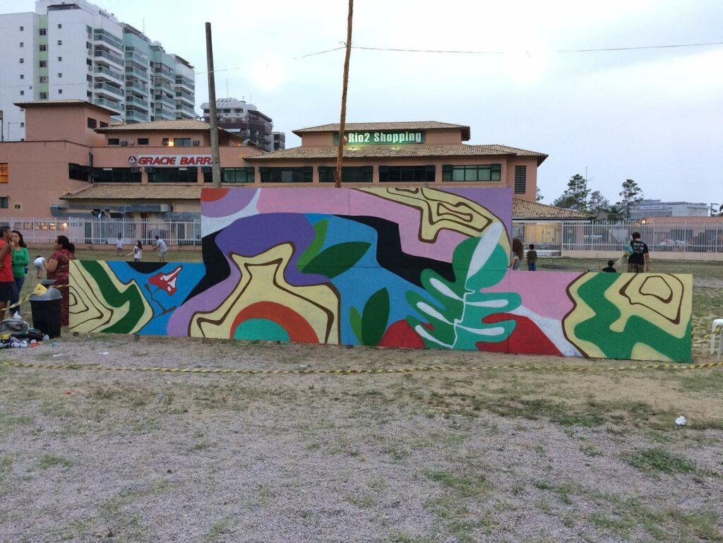 Muro com grafite no Condomínio Rio 2
